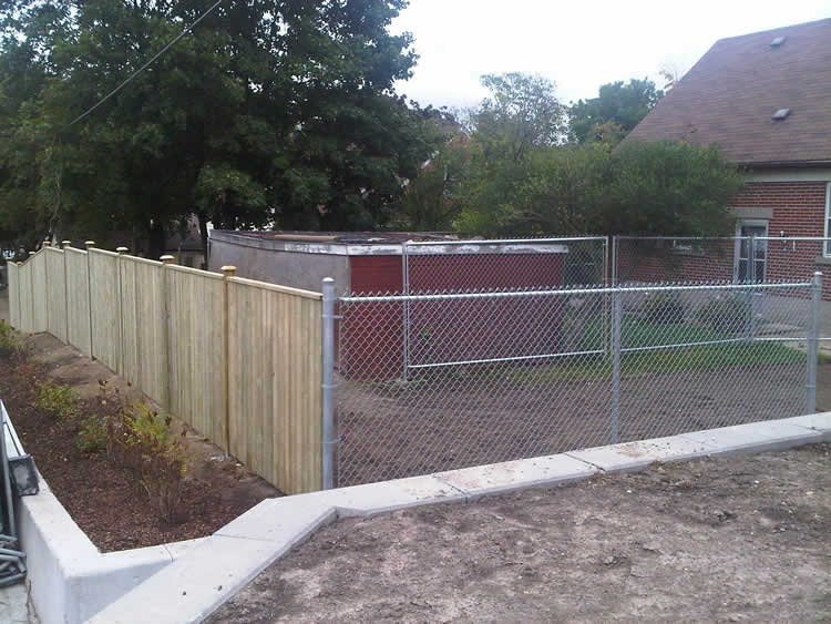 how to make a chain link fence look nice 3