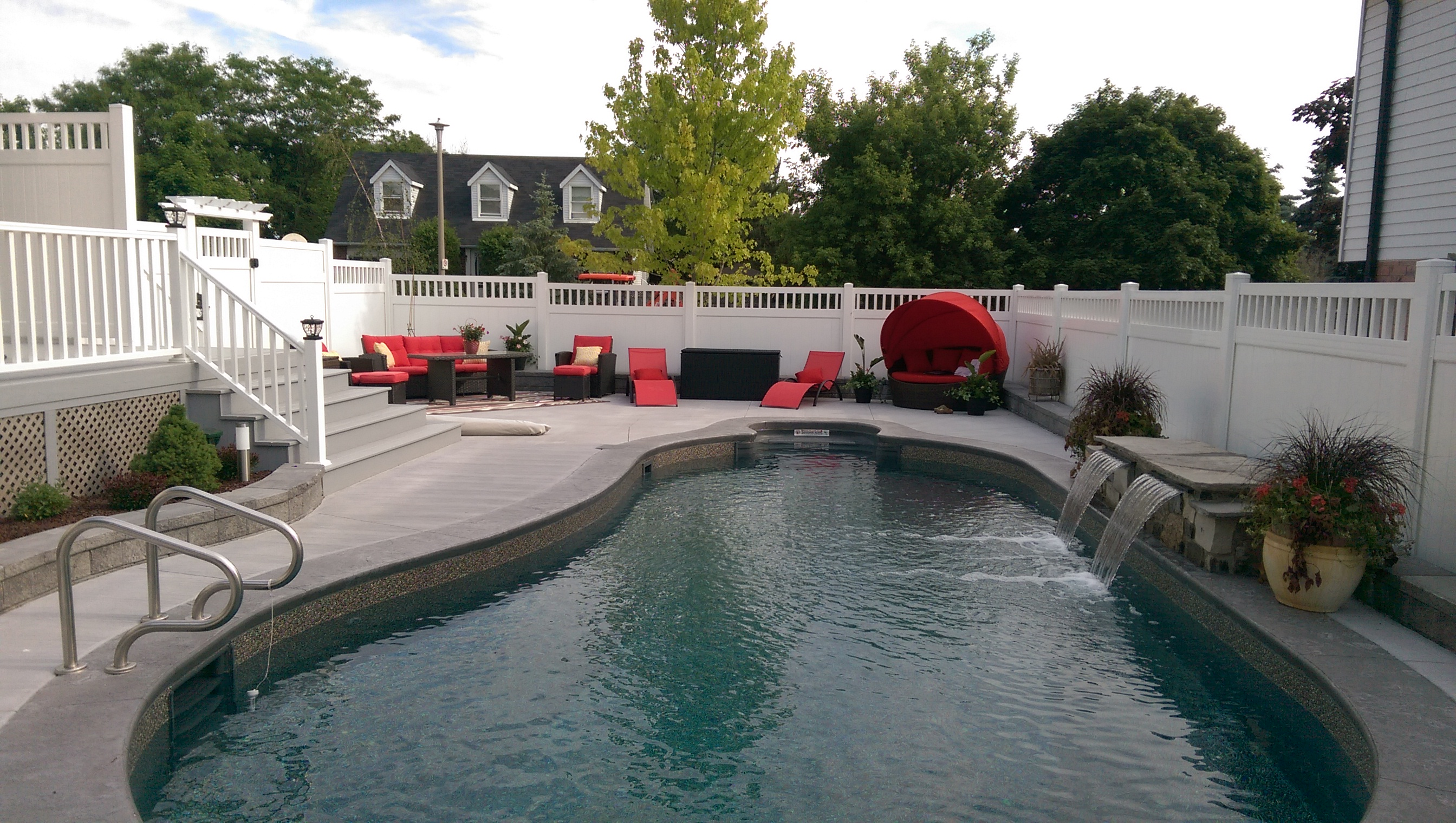 Vinyl fencing across kitchener waterloo from jay fencing for Pool design kitchener